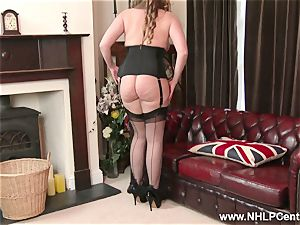 natural phat melons brunette Sophia Delane drains in nylons