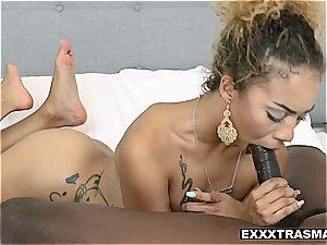 Xianna Hill juggling her ass on a immense ebony chisel