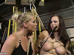 Kathia Nobili crop the tongue of beauty girl