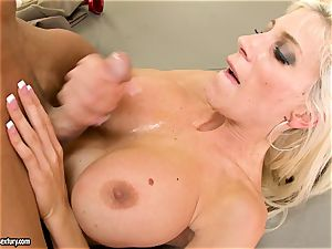 Alluring Puma Swede gets her gash tucked with spear