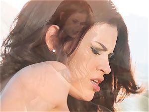 Vanessa Veracruz draining in the super hot sun