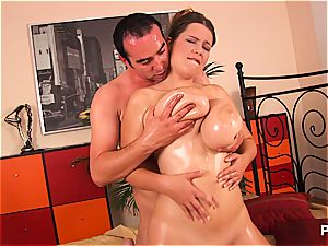 Terry Nova gets her humungous bouncing bumpers humped