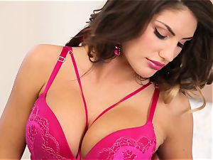 August Ames temptation of a flawless beaver
