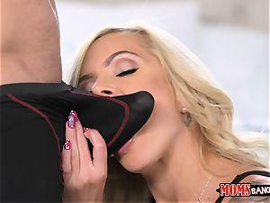 Nina Elle vag tongues Naomi woods with the cheating bf
