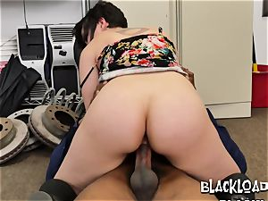 Flower sundress woman pulls it up and rides directors fat black trunk