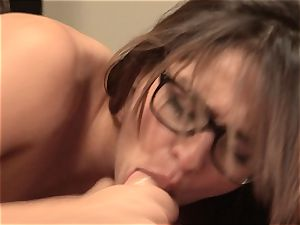 Sara Luvv cant wait to get her guy to her motel apartment