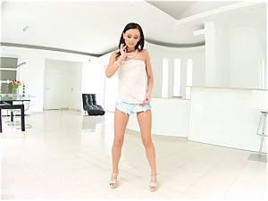 Tina teen using fingers solo on Sapphix
