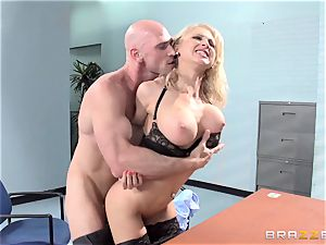 uber-sexy office stunner Alix Lynx takes a second helping