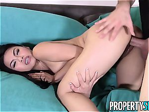 PropertySex handsome chinese Real Estate Agent romps client