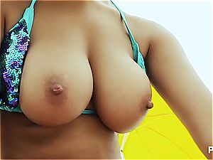 assfuck 3 way on the beach
