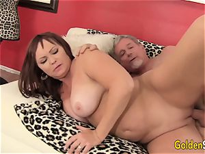 Mature Hoochie Isabelle love Is screwed by a Goateed dude