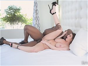 Brooklyn chase hungers a fat bbc deep inside her