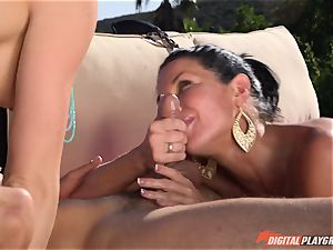 Chanel Preston and Veronica Avluv drilled deep in the super-fucking-hot spurting cooter pies