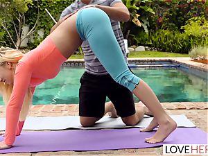 LoveHerFeet - sole idolizing Yoga Class