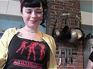 hardcore sessions with her new domme