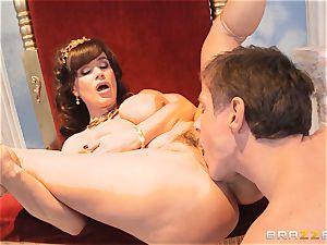 sugary mummy Lisa Ann is princess of sensational boinking