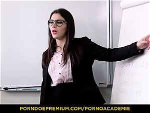 porno ACADEMIE - instructor Valentina Nappi MMF 3 way
