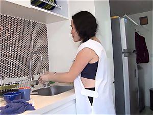 OPERACION LIMPIEZA - Latina maid lubed up and plumbed