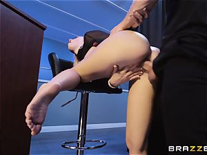 Bailey Brooke gets frisky with the strung up bouncer