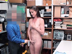 Sofie Marie squirted plums deep by naughty mall cop