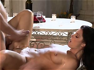 India Summers India Summers is liking the large trunk pleasuring her super-fucking-hot cunny har