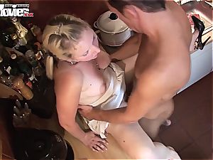 european unexperienced can ride his humungous pole all day