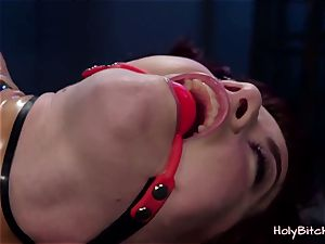 hottie gets roped and handled with playthings