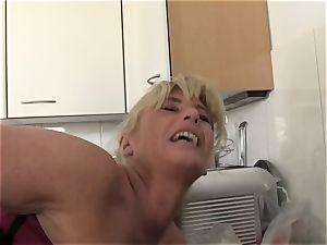 xxxOmas - Ficksahne für Oma - german porn