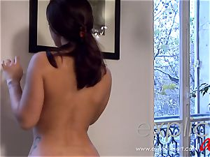 Liza del Sierra masseuse with ass-fuck ending