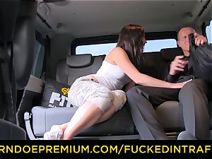 romped IN TRAFFIC - Czech stunner cheats her bf in cab