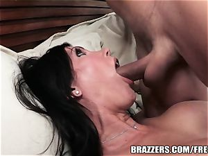 Brazzers - Shay sights - Laying knob like a professional