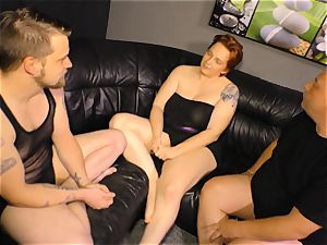 REIFE SWINGER - MMF three way with German bbw woman