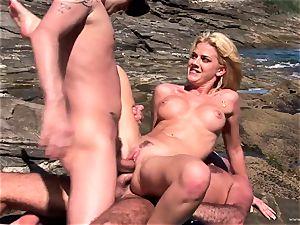 Chloe Delaure loves a raunchy dual intrusion