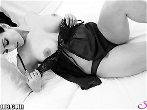 Sunny Leone in her fresh ebony